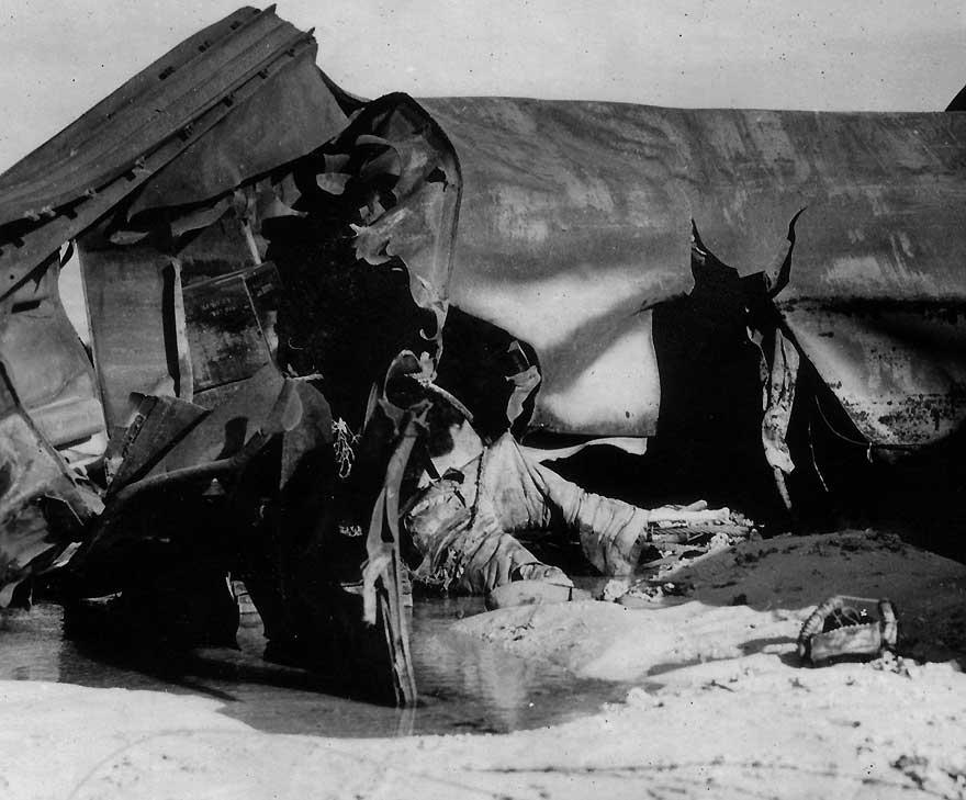1943 Bodies On The Beach At Tarawa Jpg Quotes